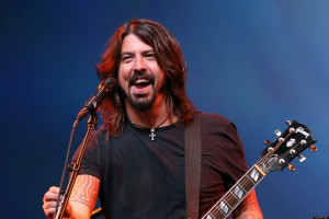 Dave Grohl dedicates dave grohl kurt cobain fight to Kurt Cobain ...