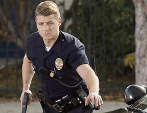 Ben McKenzie da star dei teenager a poliziotto defilato