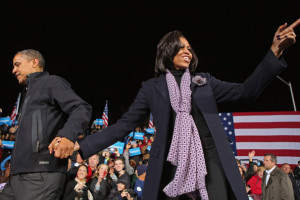 Michelle+Obama+Obama+Campaigns+Midwest+Swing+M0GmP1t3Ikll.jpg
