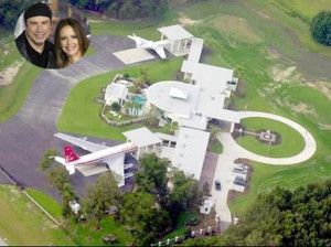 John Travolta and Kelly Preston's estate in Ocala, Florida, has the ...