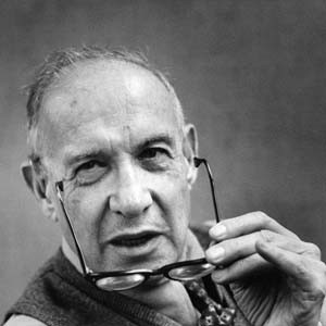 10 Inspiring Quotes on Small Business from Peter Drucker