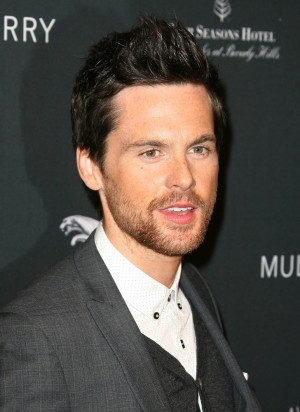 Tom Riley Picture 21