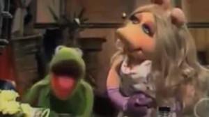 Watch Kermit the Frog and Miss Piggy recreate Richard Sherman ...