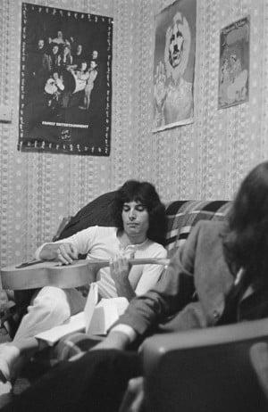Freddie Mercury: Strummin' Along: Freddie Mercury, frontman of the ...