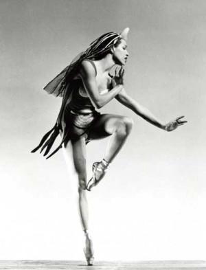 Maria Tallchief as Eurydice in Balanchine's Orpheus. Photo by George ...