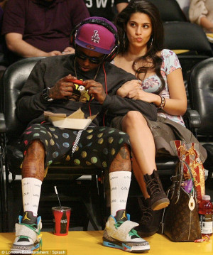 News: Till Family Not Happy With Wayne Aplogy- Weezy Has Another ...