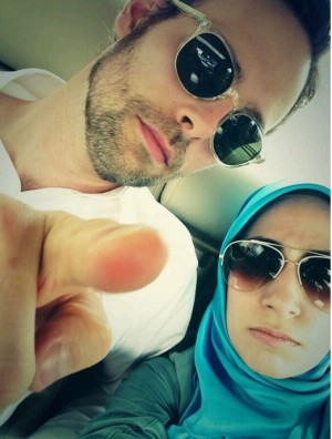 Ransom Riggs and Tahereh Mafi OTP.