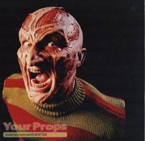 New-Nightmare-Wes-Craven-s-Freddy-s-Hero-Contact-lenses-4.jpg