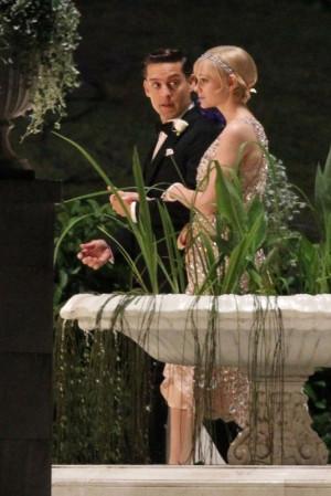 Nick Carraway (Toby Maguire) and Daisy Buchanan (Carey Mulligan) in ...