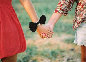 ... 1072 1088 1080 1090 1077 best friends friends holding hands on jetty