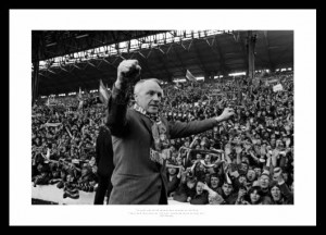 sayings famous quotes of bill shankly bill shankly photos bill shankly