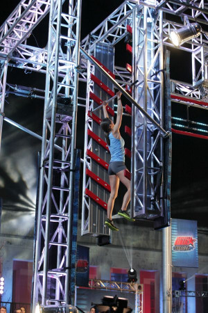 Kacy Catanzaro Completes Obstacle Course - American Ninja Warrior ...