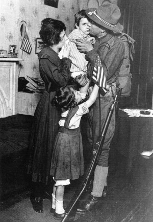 US Soldier, Saying goodbye to family WWI