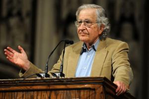 """Noam Chomsky: """"Fui uno de los mayores críticos de Chávez"""""""