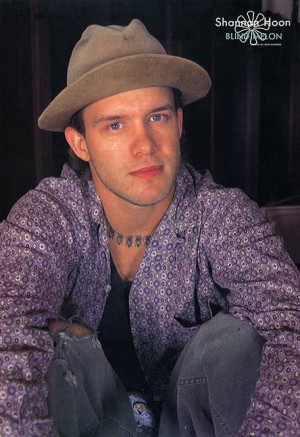 Shannon Hoon 1995 / credit: Rob Howard /// contributed by Elonora De ...