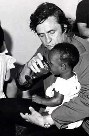 Johnny Cash >> http://www.flensburg-online.de/musik/so ... y-cash.jpg