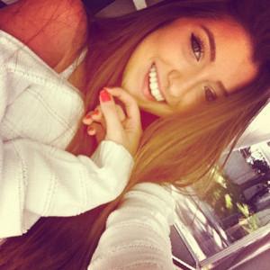 Pic: girl-instagram-pretty-smile-Favim.com-903524