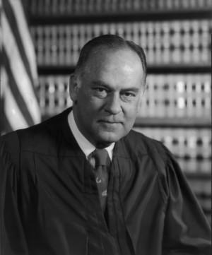 Datei:US Supreme Court Justice Potter Stewart - 1976 official portrait ...
