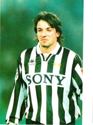 Del-Piero-1995-96-alessandro-del-piero-8722998-521-700.jpg