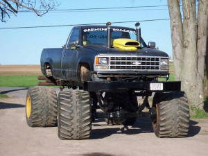 chevy trucks lifted mudding picture