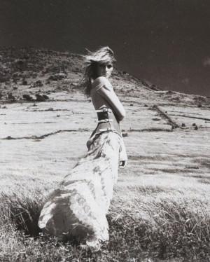 Amber Valletta by Patrick Demarchelier in Free Spirit editorial ...