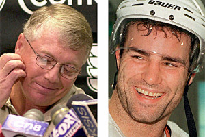 Photo: Philadelphia Flyers' Bobby Clarke and Eric Lindros in 2000 (AP ...