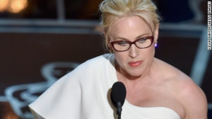 Actress Patricia Arquette accepts the Best Supporting Actress award at ...