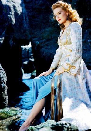 vintagegal:Happy Birthday Maureen O'Hara (via)