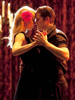 Matthew Morrison Talks About Kissing Gwyneth Paltrow