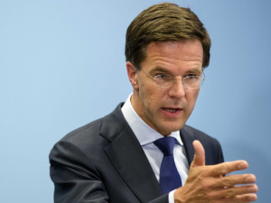Malaysia Airlines: Dutch premier decries 'utterly disrespectful ...