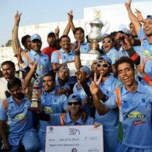 ... beats defending champions Pakistan in final chasing 390 in 40 overs