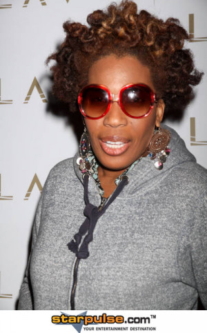 Macy Gray Appearance Celebrating the New Jewelry Line