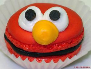 elmo-birthday-party-ideas-elmo-macaroons.jpg