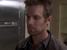 Nate Fisher - Six Feet Under (Season 1, Episode 1).png