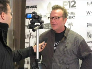 tom arnold knows sign language view all tom arnold videos