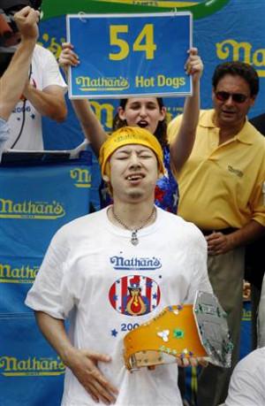 Japanese hot-dog-eating champ sets record