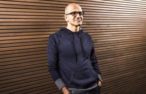 Satya Nadella è il nuovo AD di Microsoft, Gates la sua spalla