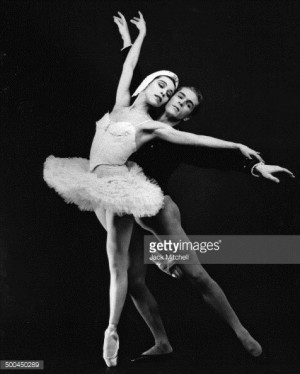 News Photo Maria Tallchief and Erik Bruhn performing 39 Swan