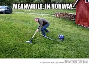 Funny photos funny mowing lawn vacuum cleaner