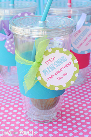 What a cute and easy teacher appreciation gift idea! Free printable ...