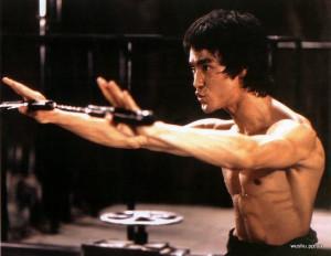 Bruce-Lee-Enter-the-dragon-numchucks.jpg