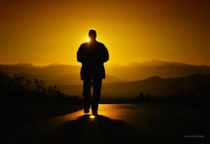 一个人孤独背影大图图片