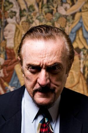 Philip Zimbardo: Why ordinary people do evil ... or do good