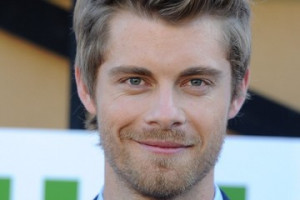 Luke Mitchell Pictures
