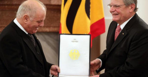 ... -Joachim-Gauck-verleiht-Daniel-Barenboim-das-Bundesverdienstkreuz.jpg