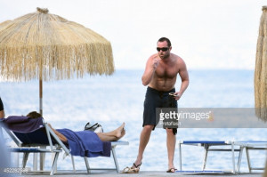 News Photo Actor Sullivan Stapleton And Anna Safroncik Ere