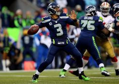Russell Wilson throws a bomb to Jermaine Kearse on 4th and 7 . . . and ...