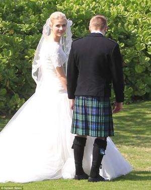 Elizabeth Smart wedds Matthew Gilmour