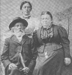 Henrietta Szold with her parents in Lake Placid 1897