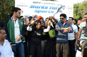 Vijender Singh does Bhangra, Gangnam Style for the Marks for Sports ...